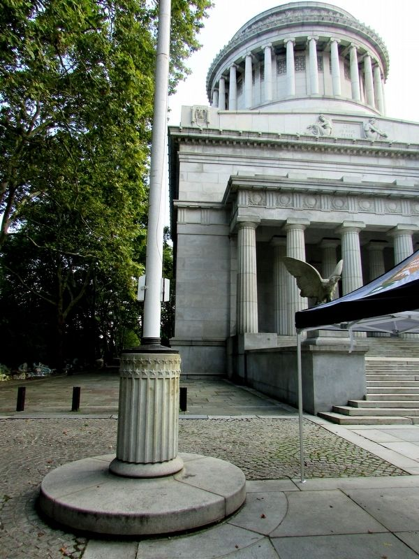 Marker at Grant's Tomb image. Click for full size.