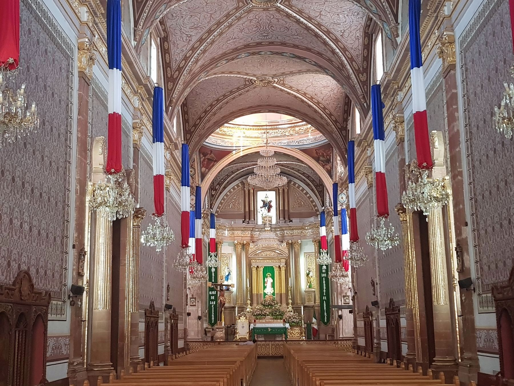 An interior view of the Parish Church of San Luis Rey image. Click for full size.