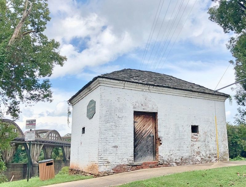 Old Calaboose next to the Coosa River and the Bibb Graves Bridge. image. Click for full size.