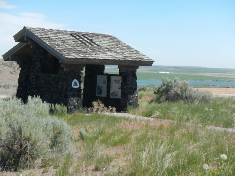 Coldwater Hill Rest Area Oregon Trail Kiosk image. Click for full size.
