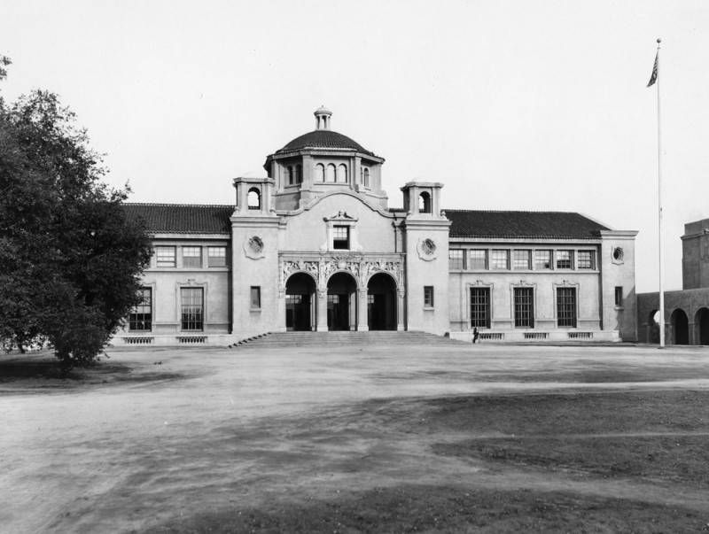 <i>Exterior, Throop Hall at Cal Tech</i> image. Click for full size.