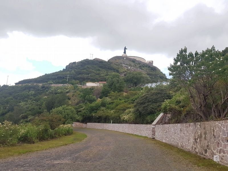 A view of the Cerro de Cubilete and Christ the King statue on the road up to the site image. Click for full size.