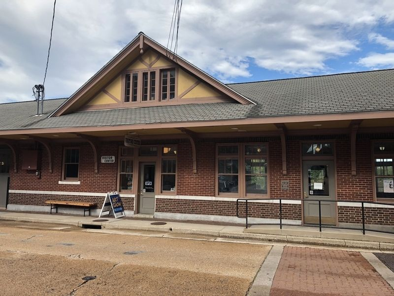 Missouri Pacific Passenger Depot image. Click for full size.
