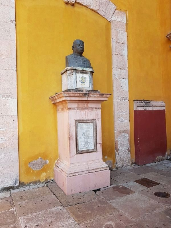 Bust of Bishop Valverde y Tellez, mentioned in the marker text image. Click for full size.