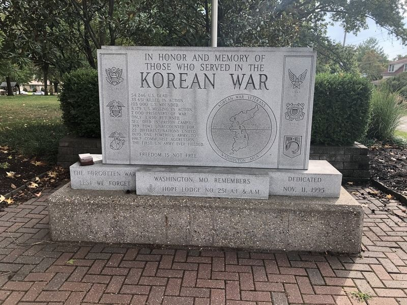 In Honor and Memory of Those Who Served in the Korean War Marker image. Click for full size.