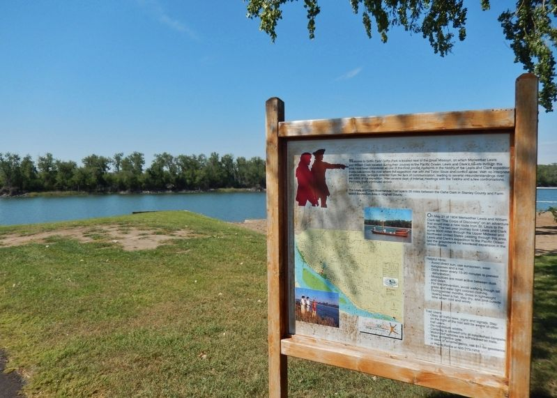 Lewis & Clark Trail Marker (<i>wide view; looking southwest across Missouri River</i>) image. Click for full size.