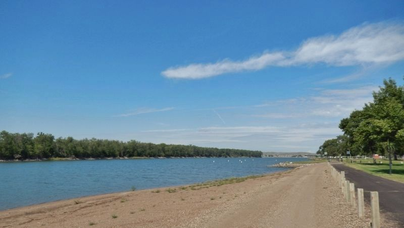 Missouri River (<i>view north along river from near the marker; La Framboise Island to left</i>) image. Click for full size.