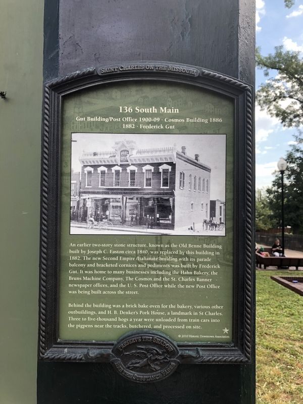 136 South Main Marker image. Click for full size.
