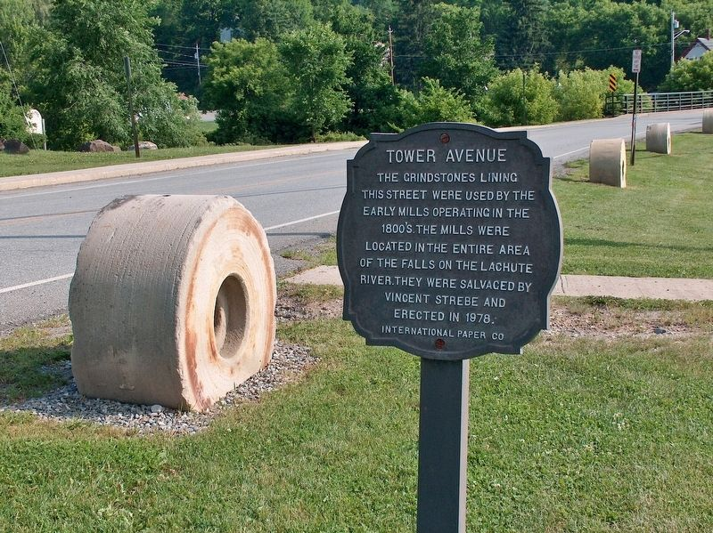 Tower Avenue Grindstones Marker (<i>wide view; looking north along Tower Avenue</i>) image. Click for full size.