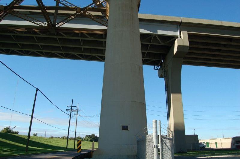Huey P. Long Bridge, Louisiana Historical Marker