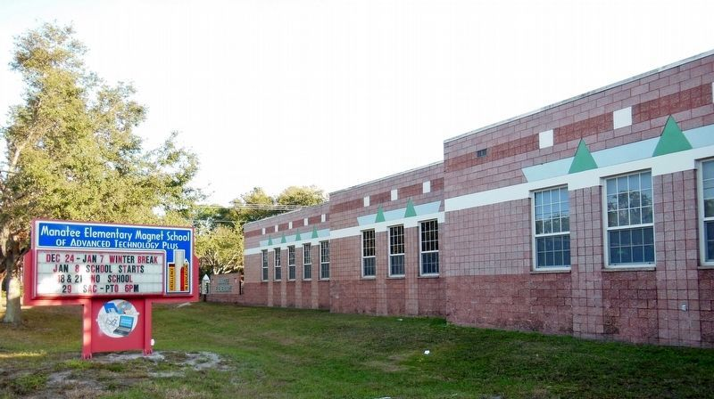 Manatee Elementary Magnet School (<i>currently occupies former Manatee Academy site</i>) image. Click for full size.