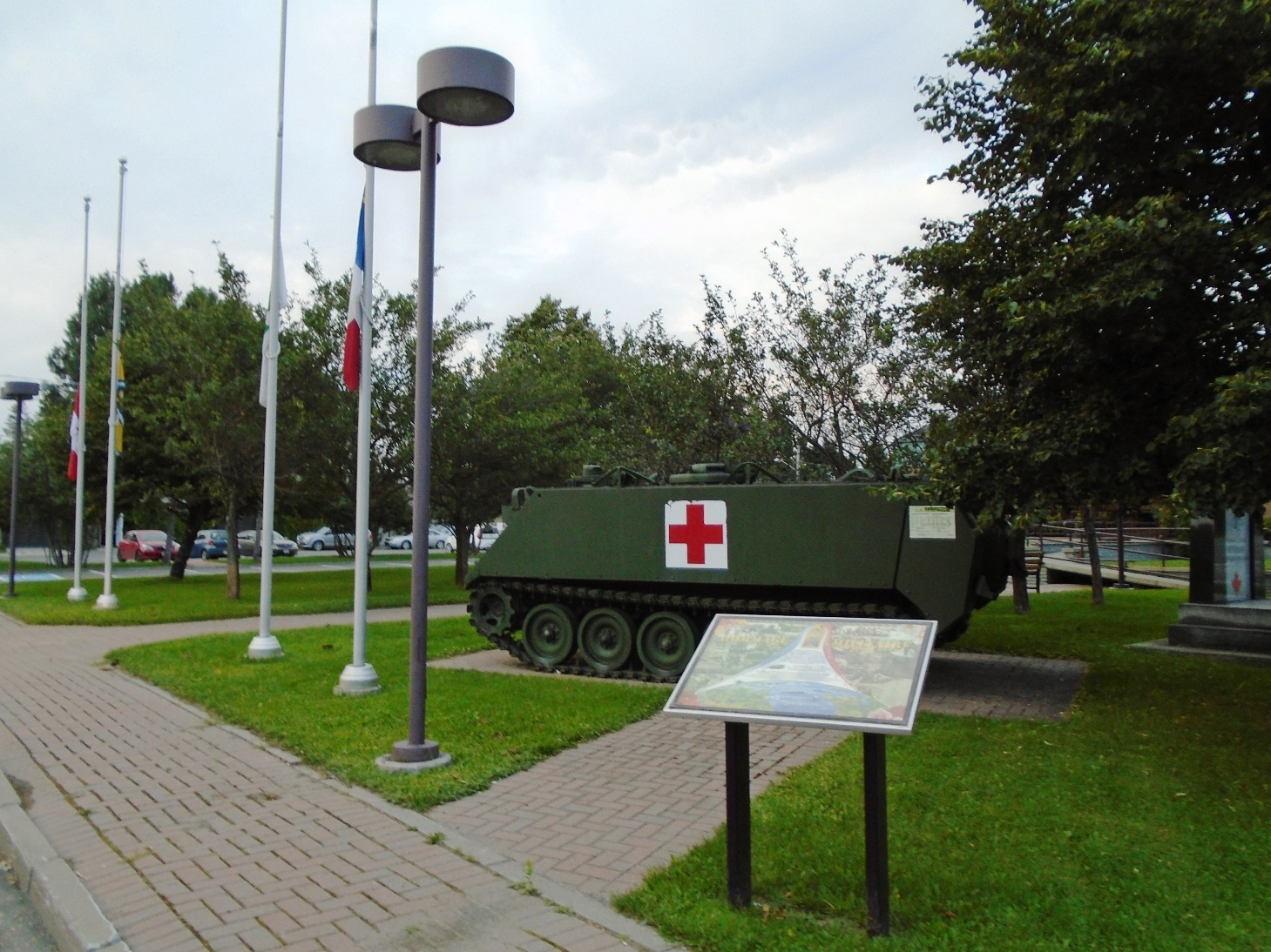 Saint-Quentin Hommage militaire / Military Tribute Marker