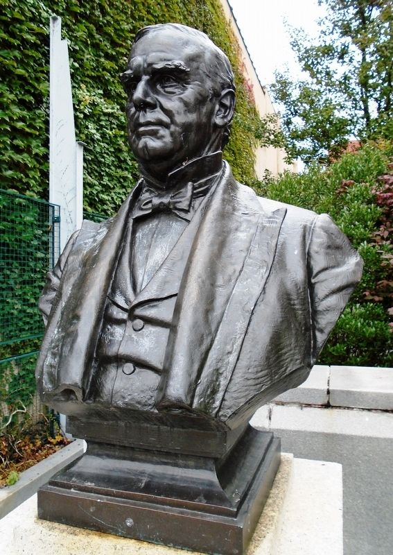 William M<sup><u>c</u></sup>Kinley Bust image. Click for full size.
