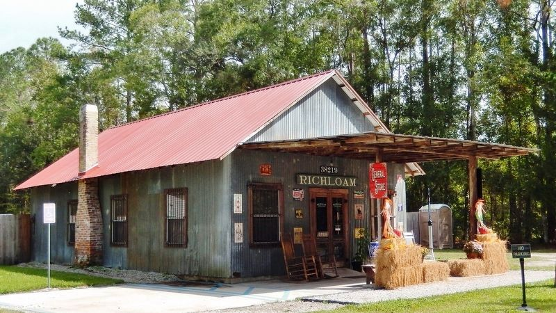 Richloam General Store (<i>corner view</i>) image. Click for full size.