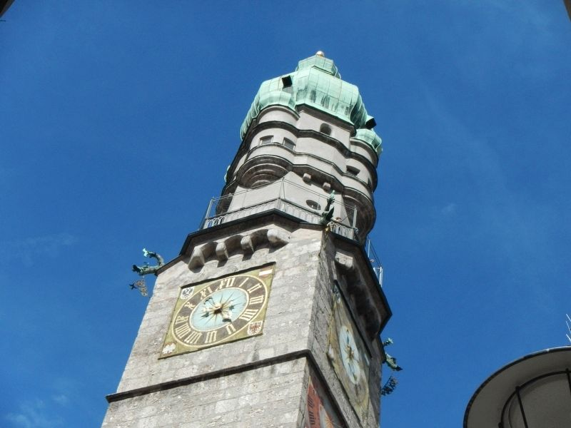 Historisches Rathaus clock tower image. Click for full size.