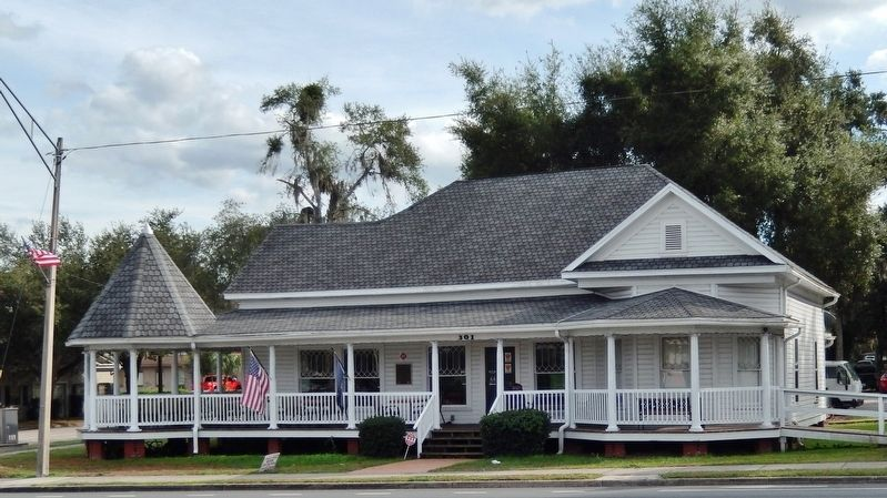 The George Carter House (<i>wide view from across West Main Street; marker visible at center</i>) image. Click for full size.
