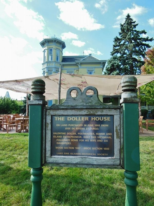 The Doller House Marker (<i>tall view; Doller House in background</i>) image. Click for full size.