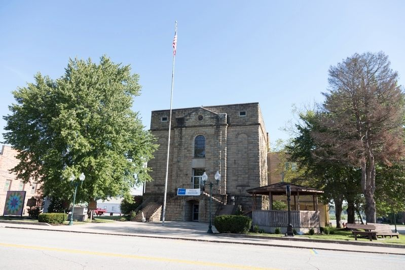 Greenup County Courthouse image. Click for full size.