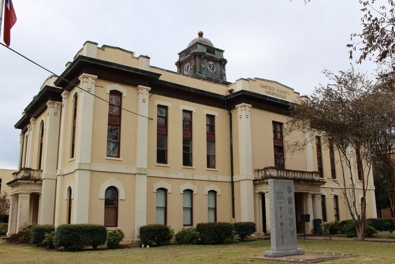 Bastrop County Courthouse image. Click for full size.