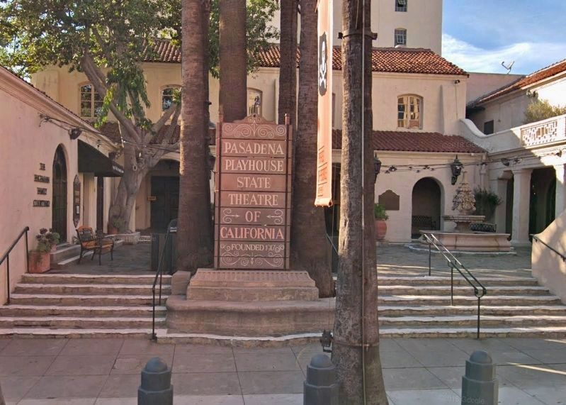 Pasadena Playhouse courtyard and Marker image. Click for full size.