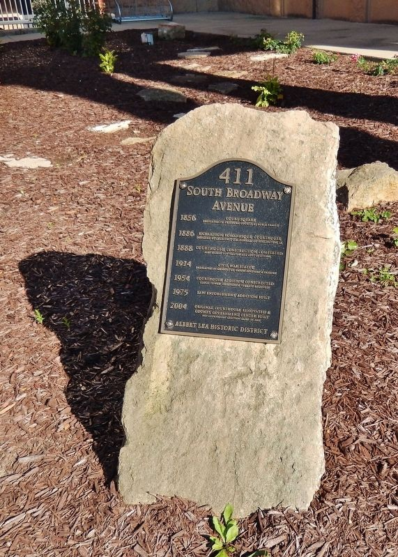 411 South Broadway Avenue Marker (<i>tall view</i>) image, Touch for more information
