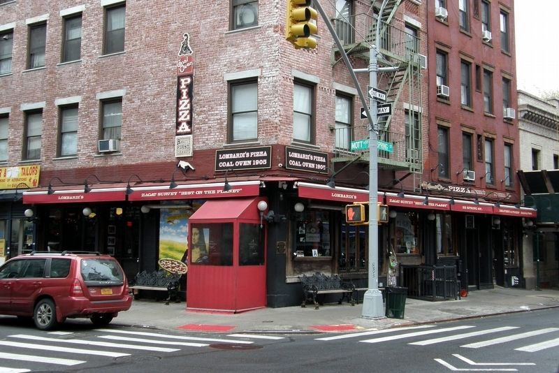 Lombardi's Pizza, 32 Spring Street image. Click for full size.