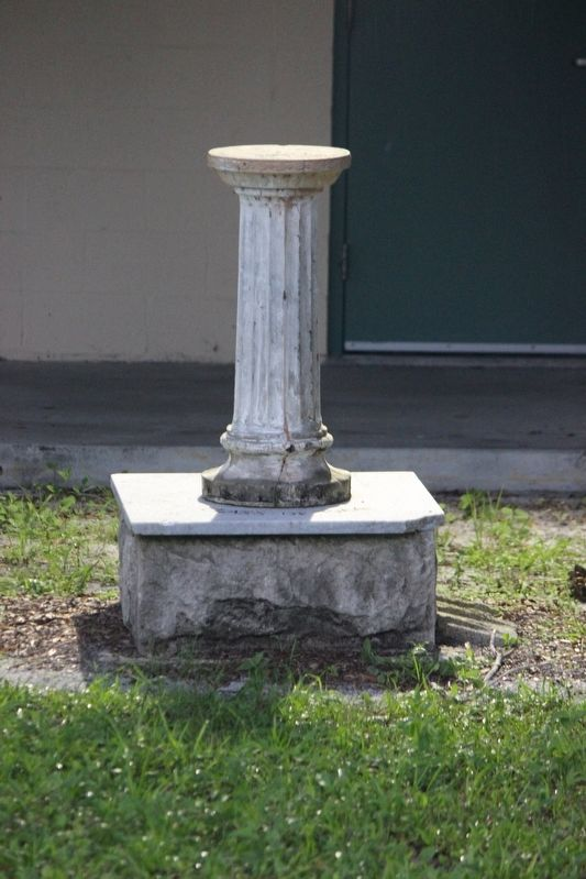 Gifford High School Sundial image. Click for full size.