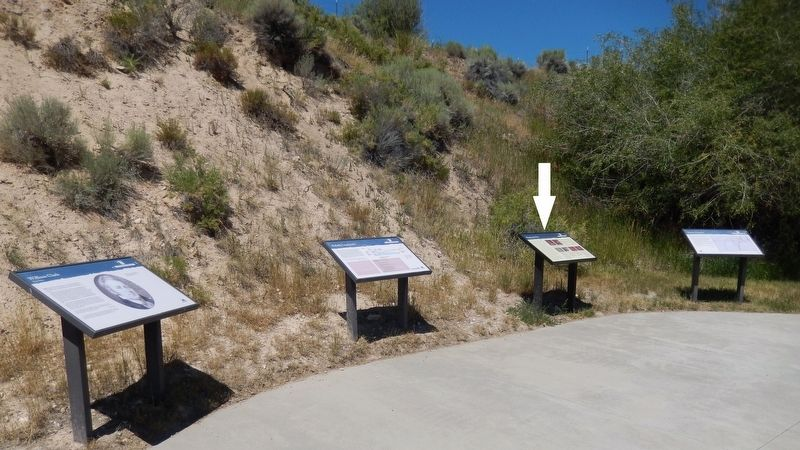 Mapping the Way Marker (<i>wide view showing related markers at trailhead</i>) image. Click for full size.