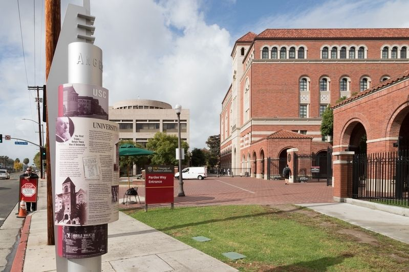 University of Southern California Marker at Pardee Way Entrance image. Click for full size.