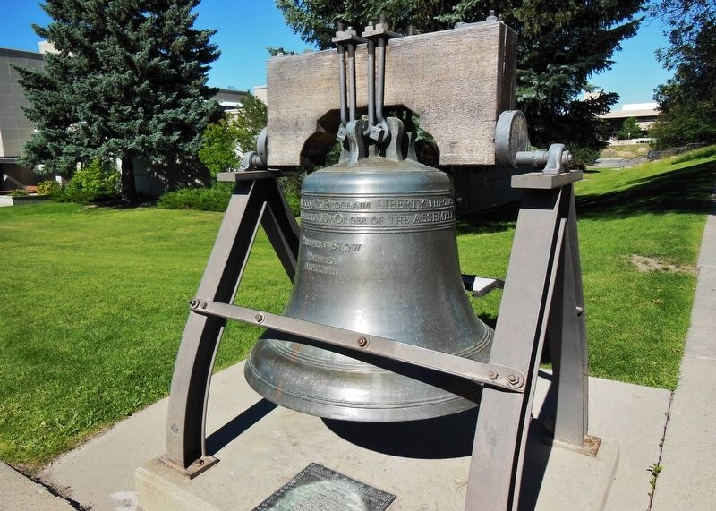 Montana Liberty Bell Replica & Marker (<i>wide view; Montana Historical Society building behind</i>) image. Click for full size.
