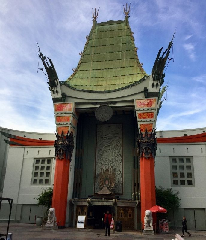 Chinese Theater image. Click for full size.