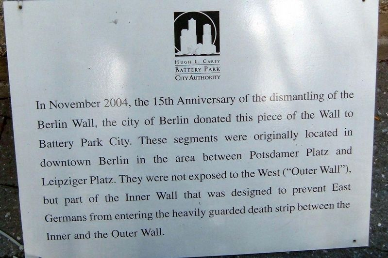Berlin Wall segment marker image. Click for full size.
