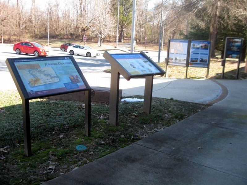 John Wilkes Booth Marker and other nearby markers. image. Click for full size.