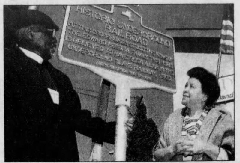 Dedication of Historic Underground Railroad Marker image. Click for full size.