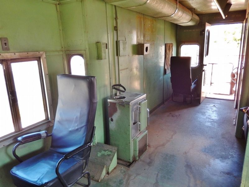 Southern Pacific Caboose 4618 interior image. Click for full size.