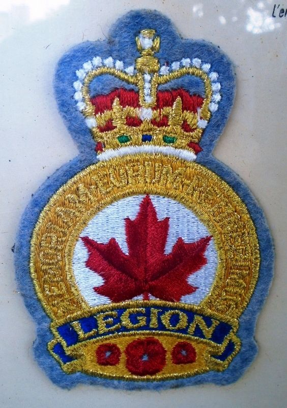 Légion Royale Canadienne / Royal Canadian Legion Emblem image. Click for full size.
