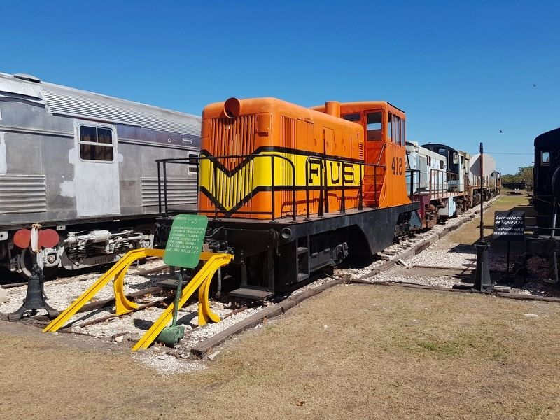 Diesel Electric Locomotive FUS 412 and Marker image. Click for full size.