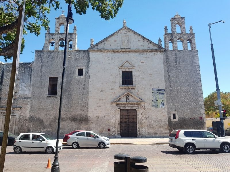 The nearby 1640 Church of Our Lady of Transit o de La Mejorada image. Click for full size.