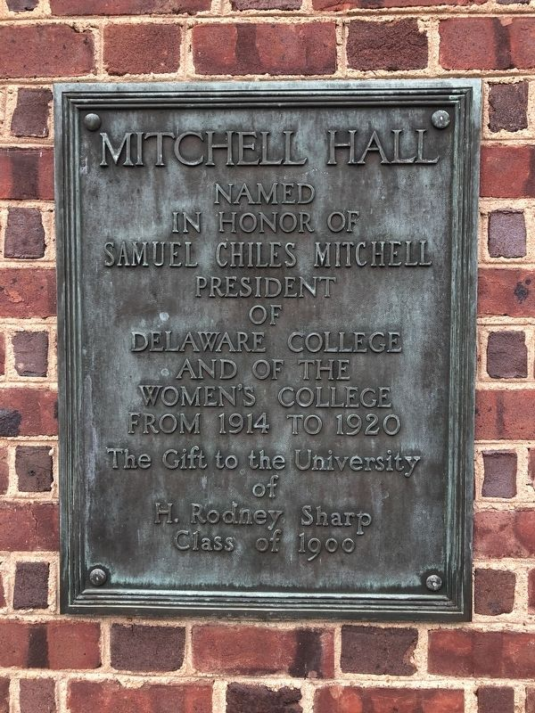 Additional plaque on the building image. Click for full size.