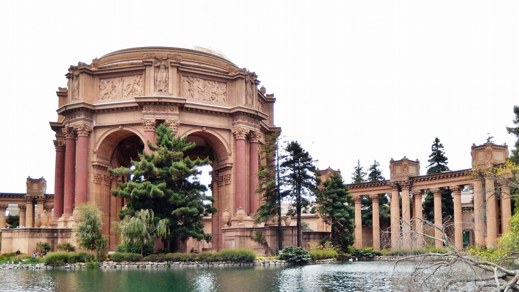 Palace of Fine Arts Rotunda & Colonnade (<i>view from marker</i>) image. Click for full size.