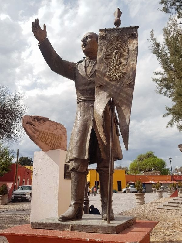Miguel Hidalgo statue image. Click for full size.