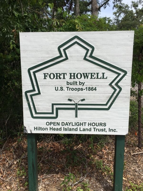 Fort Howell Historic Park Entrance Sign image. Click for full size.