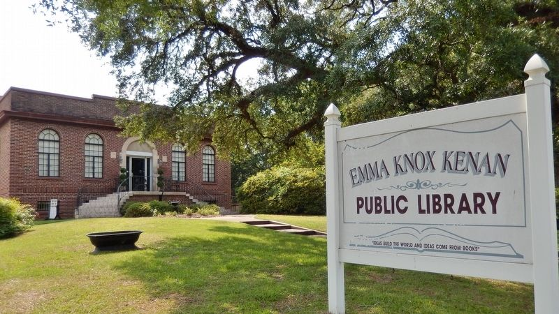 Emma Knox Kenan Public Library (<i>view from Commerce Street/Church Avenue intersection</i>) image. Click for full size.