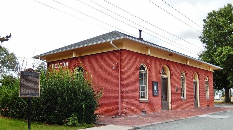 Felton Railroad Station Marker<br>(<i>wide view from East Railroad Avenue</i>) image. Click for full size.