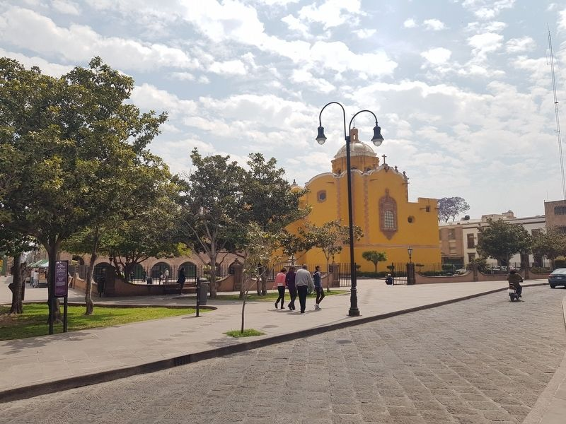 Aranzazú Square and Marker image. Click for full size.