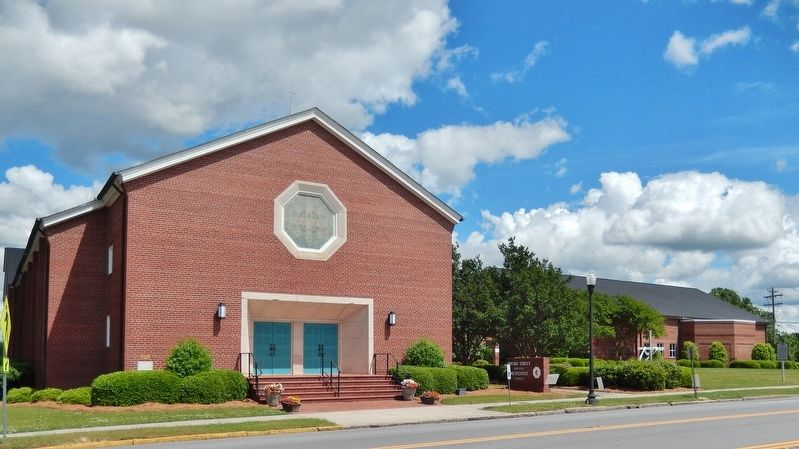 Broad Street Methodist Church (<i>northwest corner view</i>) image. Click for full size.