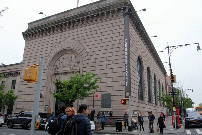 Trader Joe's/formerly Independence Savings Bank/originally South Brooklyn Savings Institution image. Click for full size.