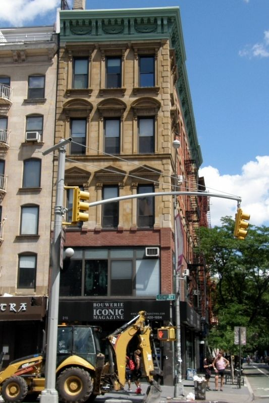 Italian Renaissance Palazzo On Bowery Marker site image. Click for full size.