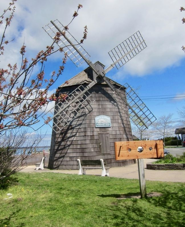 Windmill Replica - Ferry Road side image. Click for full size.