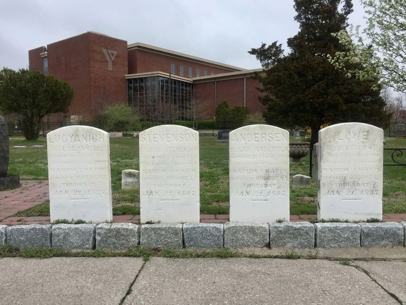 Nahum Chapin crew gravestones image. Click for full size.